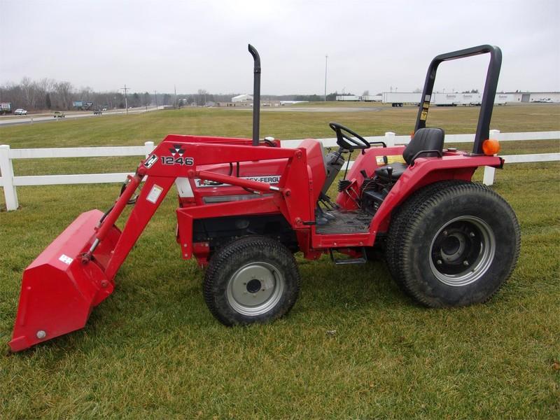 Massey Ferguson 1125 Tractor