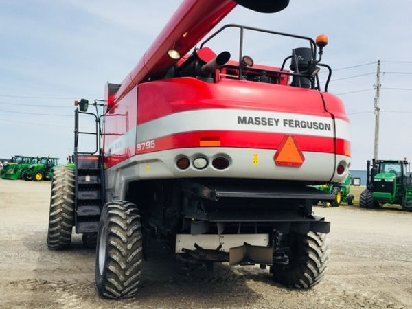 2009 Massey Ferguson 9795 Combine