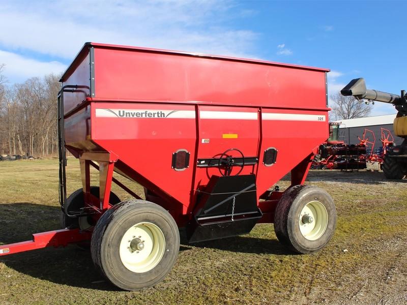 Unverferth GB325 Gravity Wagon