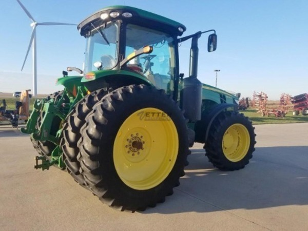 2013 John Deere 8235R Tractor