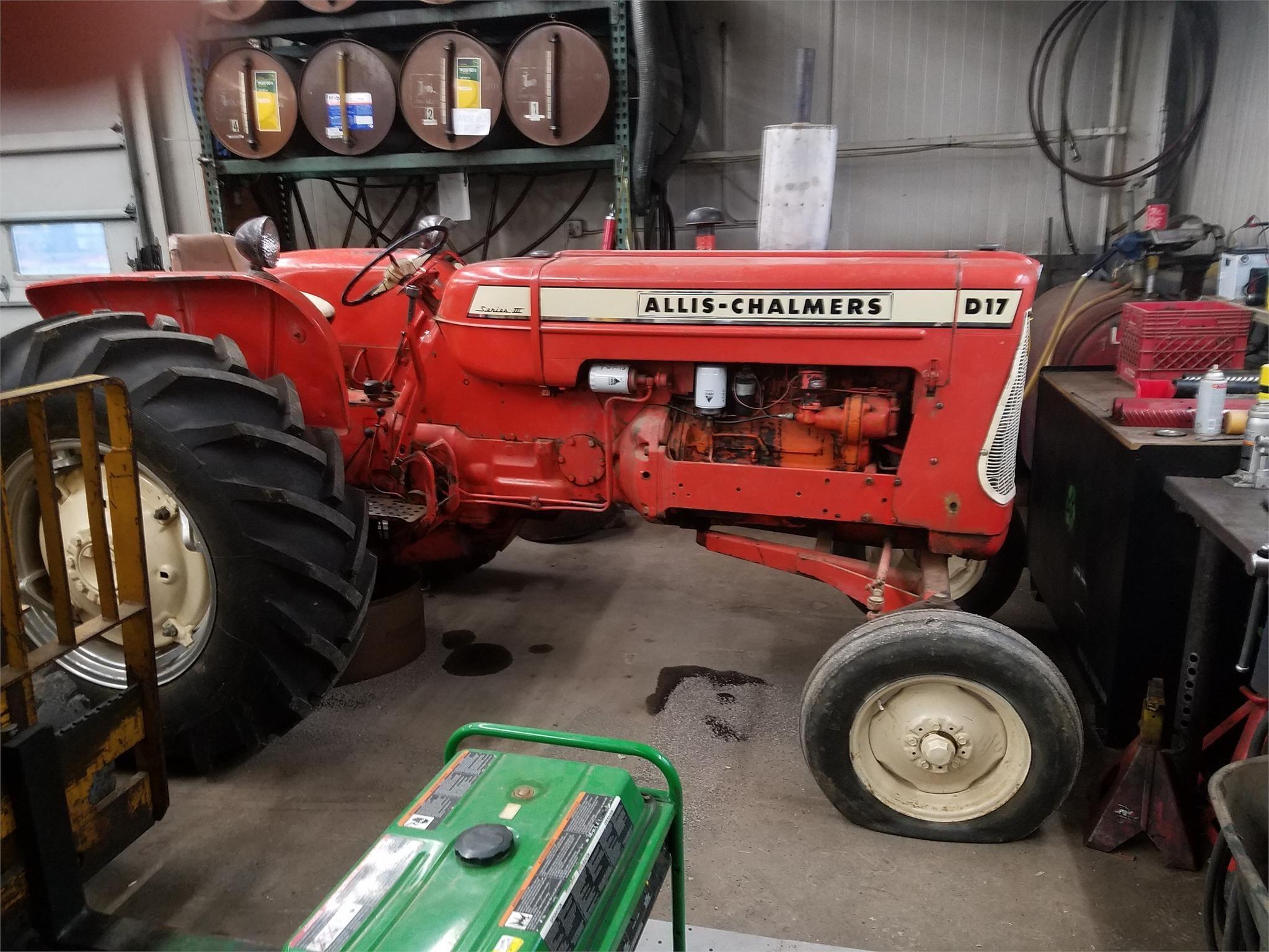 1964 Allis Chalmers D17 III Tractor