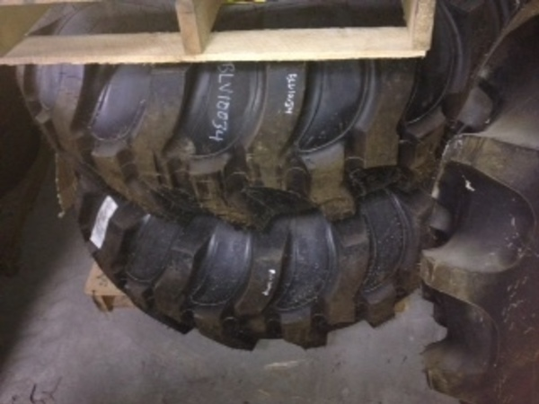 John Deere WHEELS & TIRES Wheels / Tires / Track