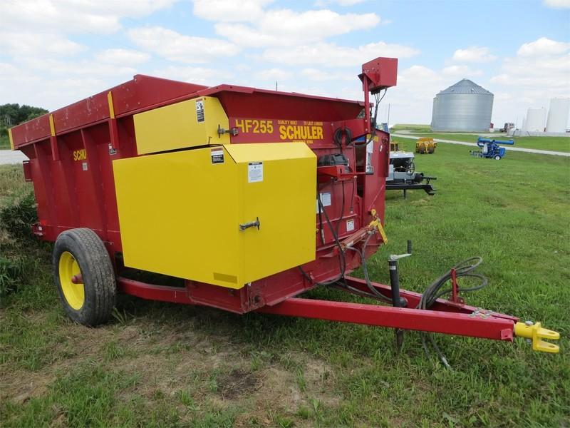 2019 Schuler HF255 Feed Wagon