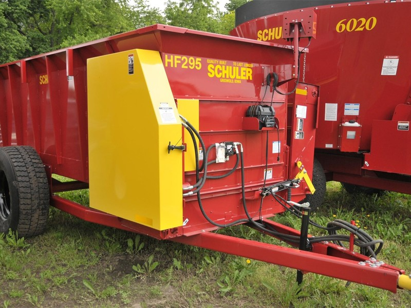 2019 Schuler HF295 Feed Wagon