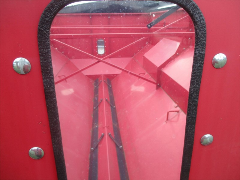 2012 EZ Tech 712 Grain Cart