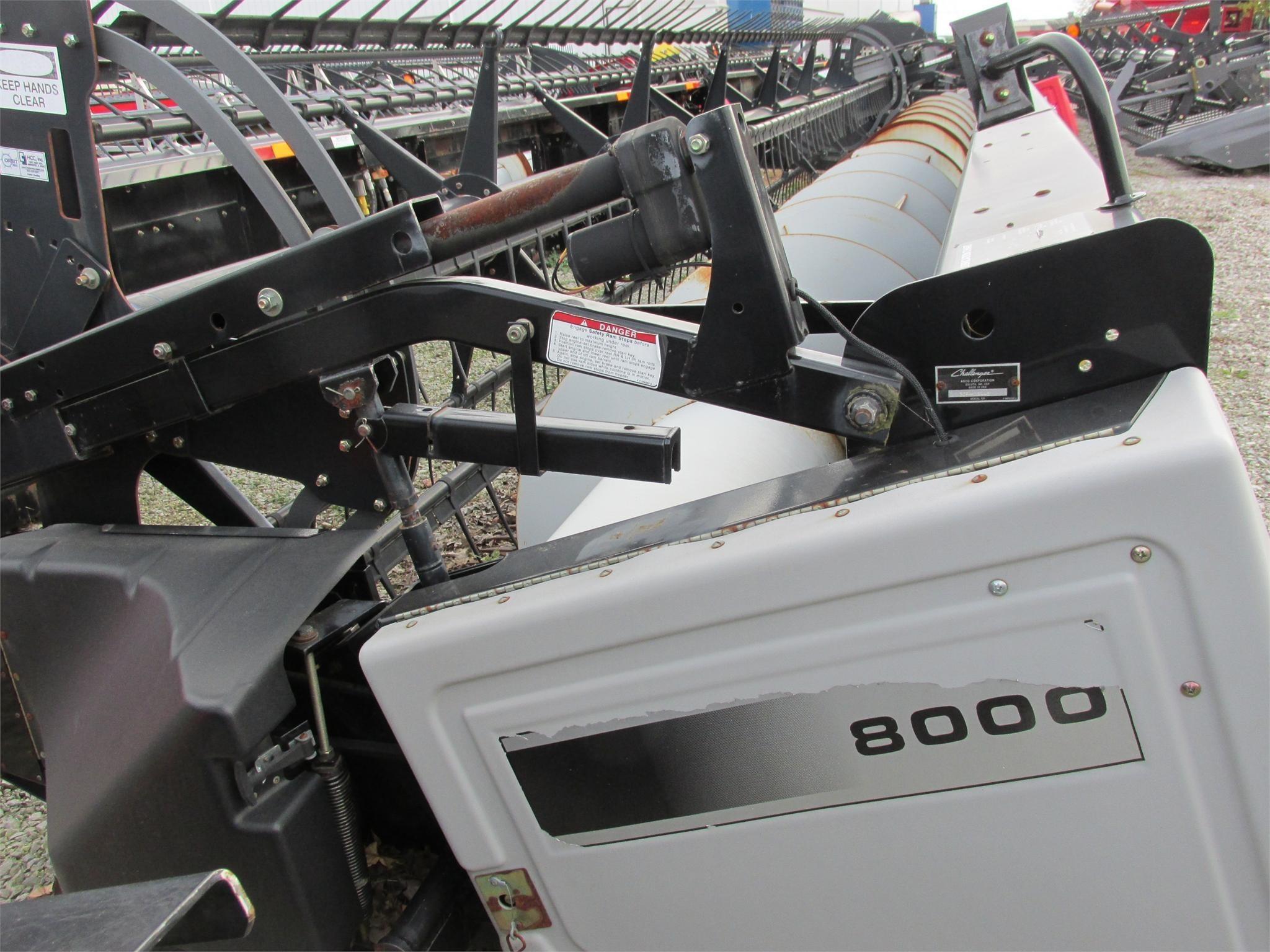 2004 Gleaner 8000 Platform