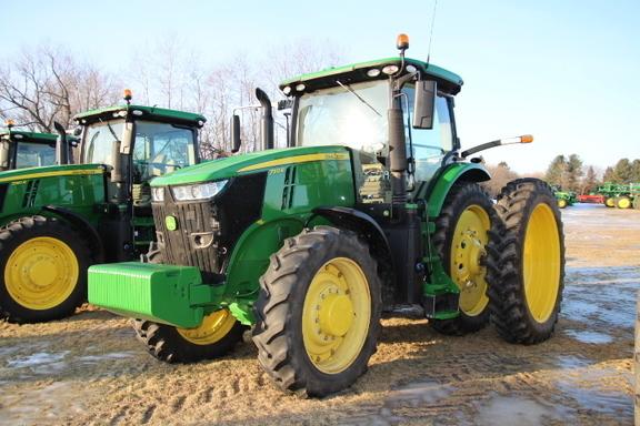 2017 John Deere 7310R Tractor