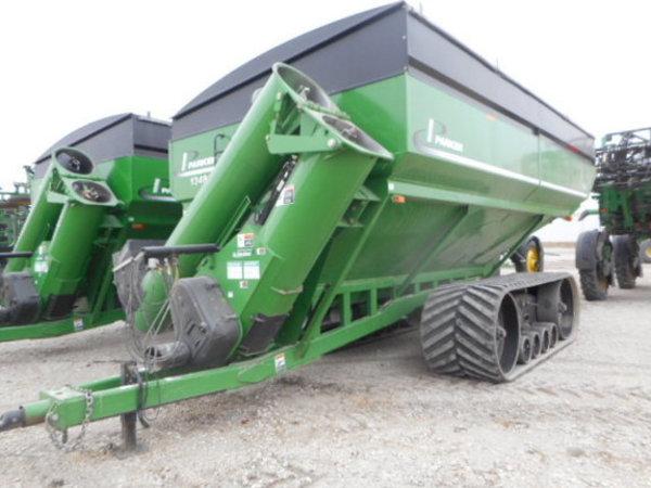 2010 Parker 1348 Grain Cart