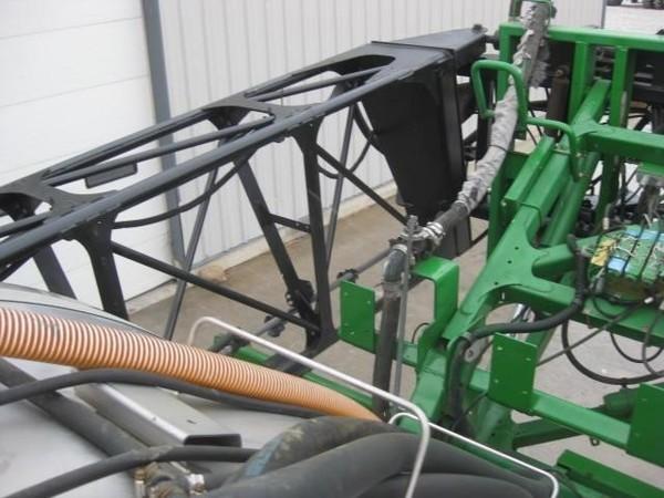 John Deere 4940 Self-Propelled Sprayer