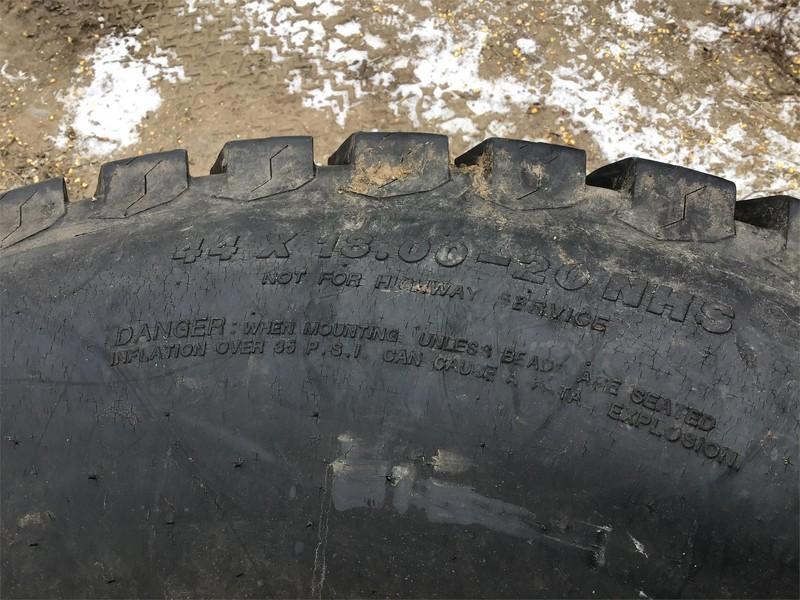 Titan 44X18.00-20 Wheels / Tires / Track
