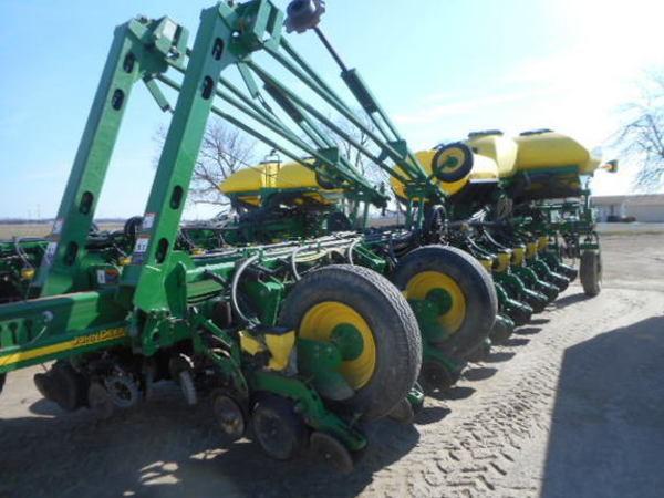 2008 John Deere 1770 Planter