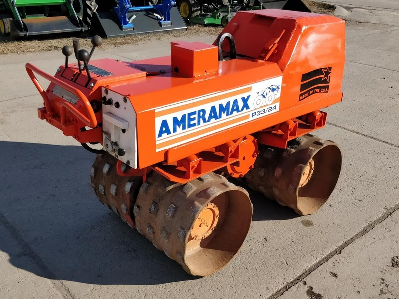 Ameramax P33/24 Compacting and Paving