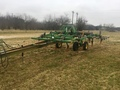 1996 John Deere 680 Chisel Plow