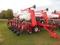 2009 White 8516 Planter