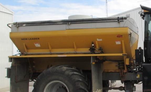 2014 New Leader L4000G4 Self-Propelled Fertilizer Spreader