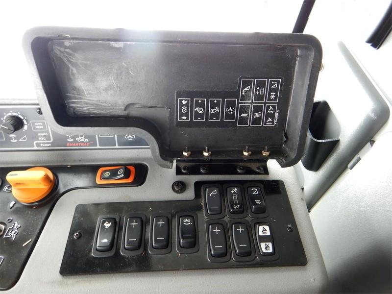 2014 Gleaner S68 Combine