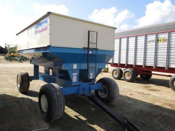 2013 DMI D390 Gravity Wagon