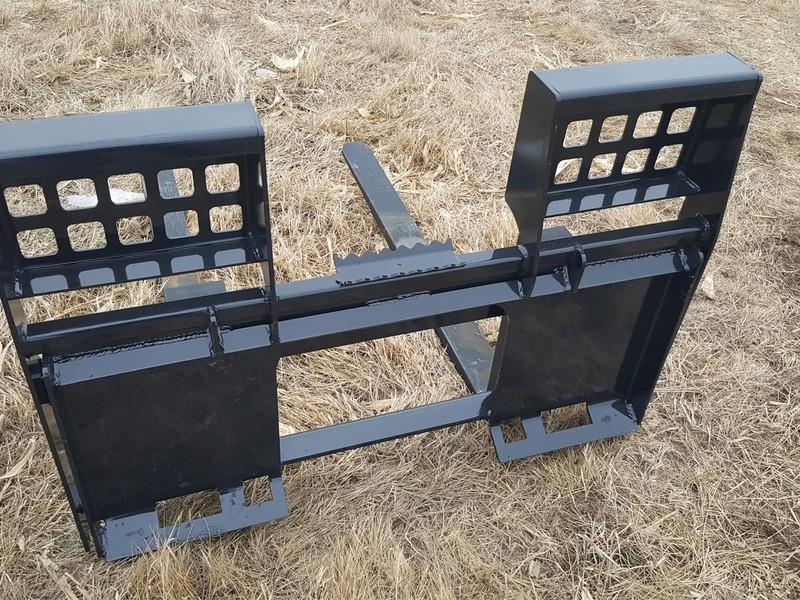 2018 Custom Built WALK THRU PALLET FORKS Loader and Skid Steer Attachment