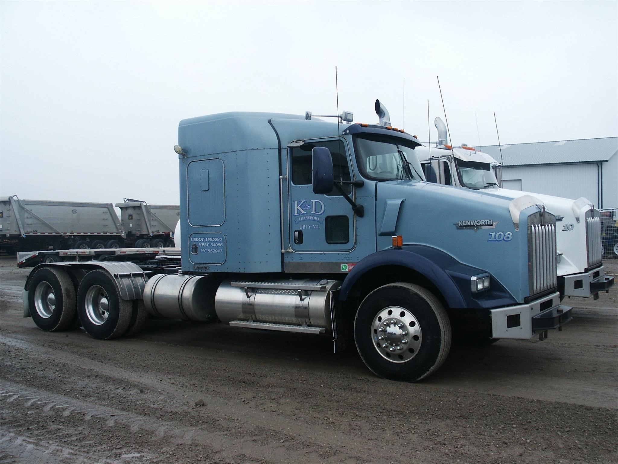 2008 Kenworth T800 Semi Truck