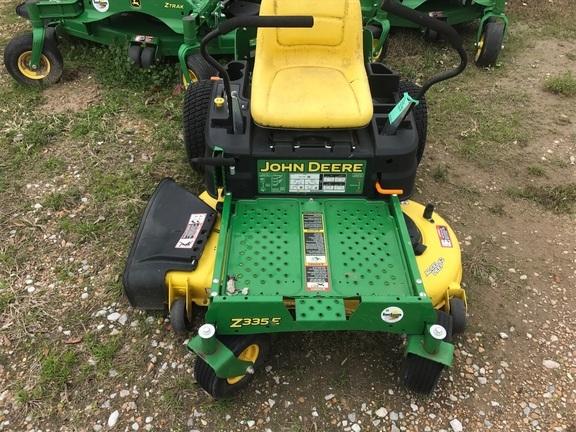 2017 John Deere Z335E Lawn and Garden