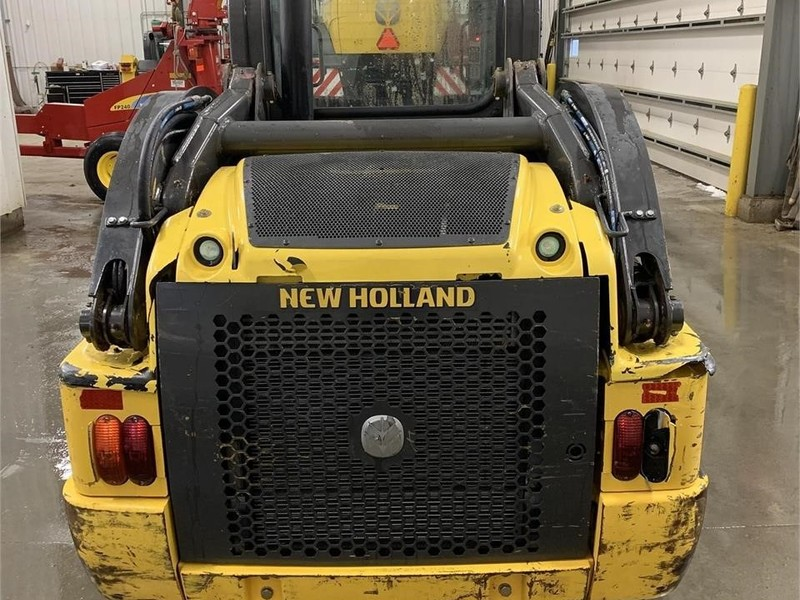 2014 New Holland L220 Skid Steer