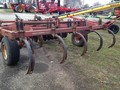 International 6500 Chisel Plow