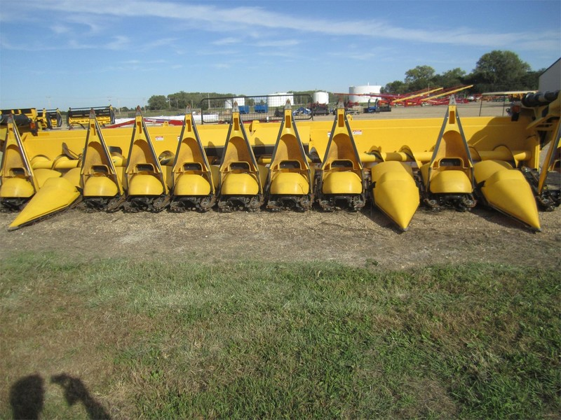 2013 New Holland 99C Corn Head
