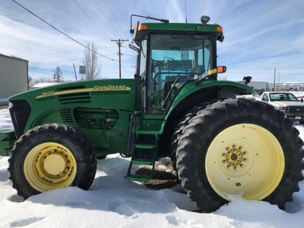 2006 John Deere 7920 Tractor