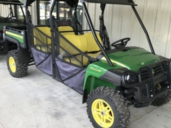 John Deere XUV 825M S4 ATVs and Utility Vehicle