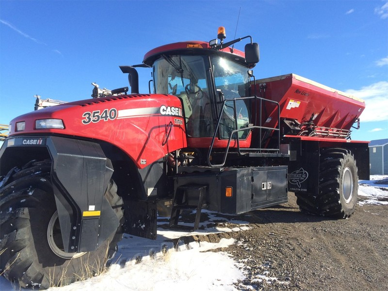 2018 Case IH TITAN 3540 Self-Propelled Fertilizer Spreader
