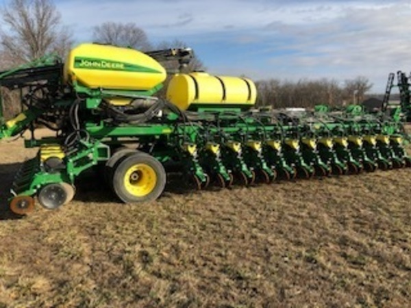 John Deere Db60 Planters For Sale Machinery Pete