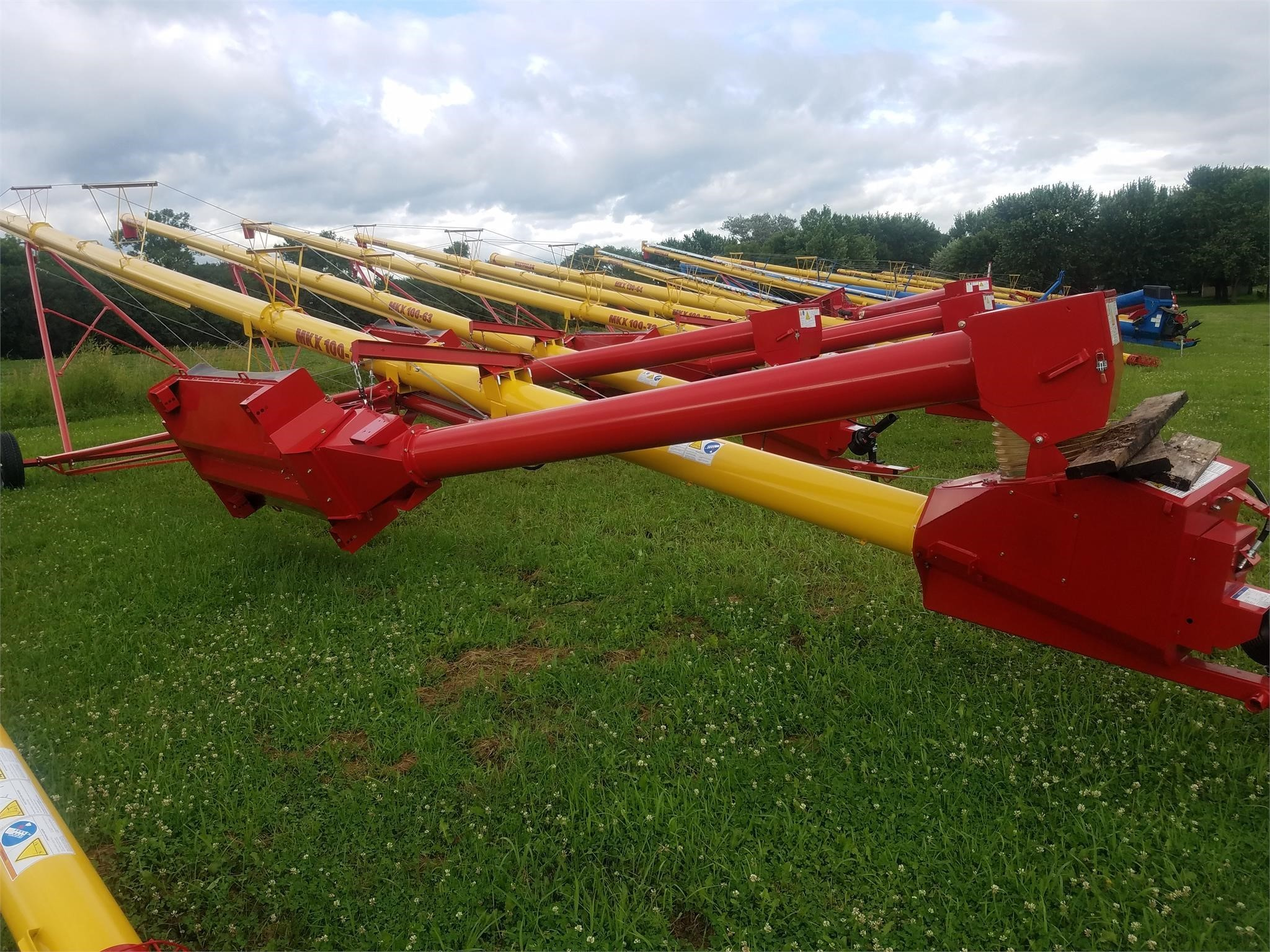 2021 Westfield MK100-71 Augers and Conveyor