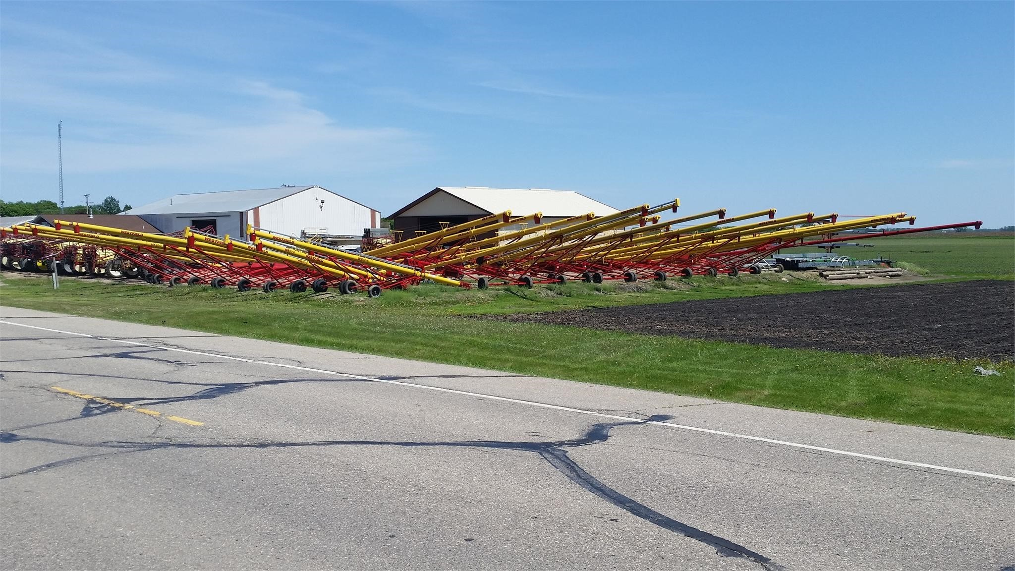 2020 Westfield MK100-61 Augers and Conveyor