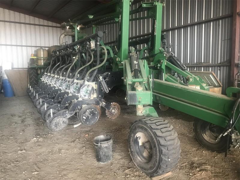 2008 Great Plains YP1625A Planter