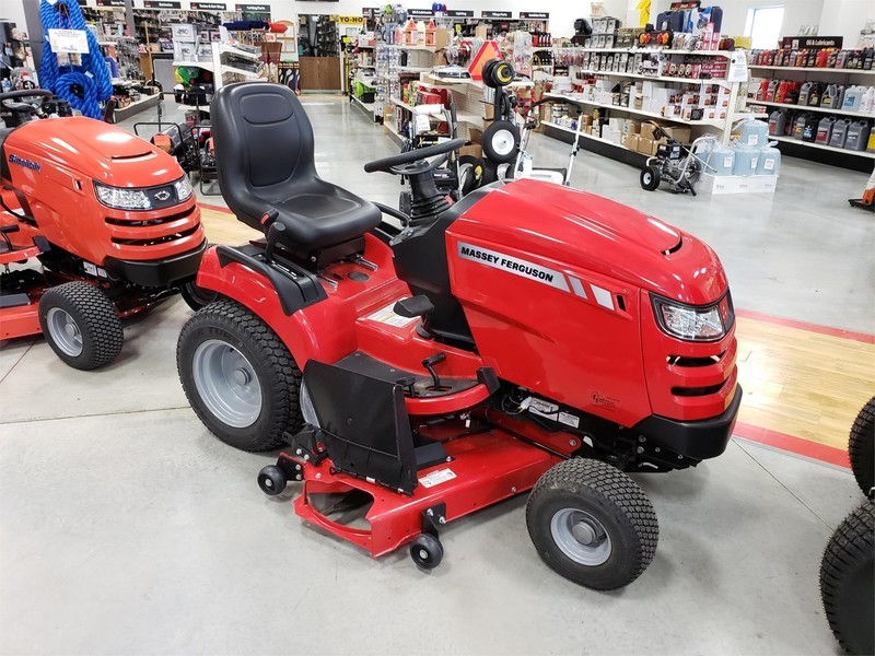 Massey Ferguson 2600 Lawn and Garden