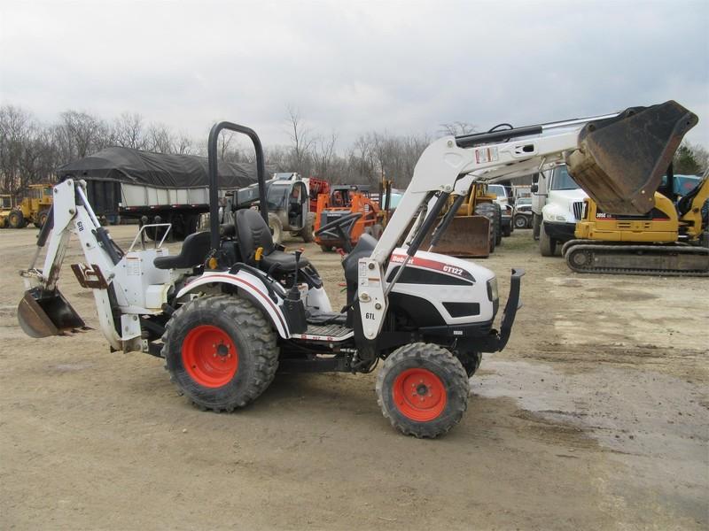 2010 Bobcat CT122 Tractor