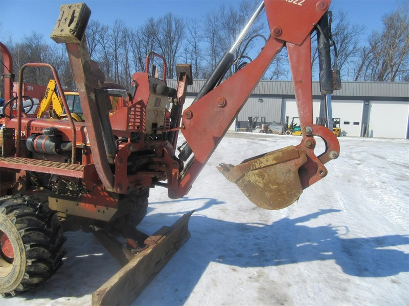 2003 Ditch Witch 5700DD Trencher