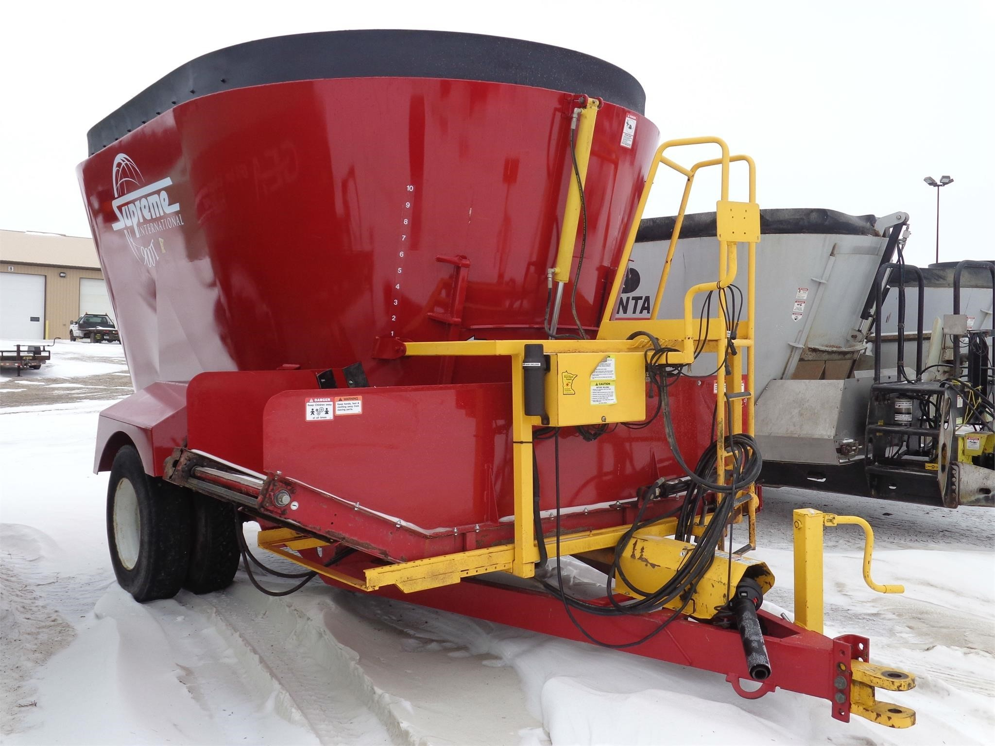 2015 Supreme International 900T Grinders and Mixer