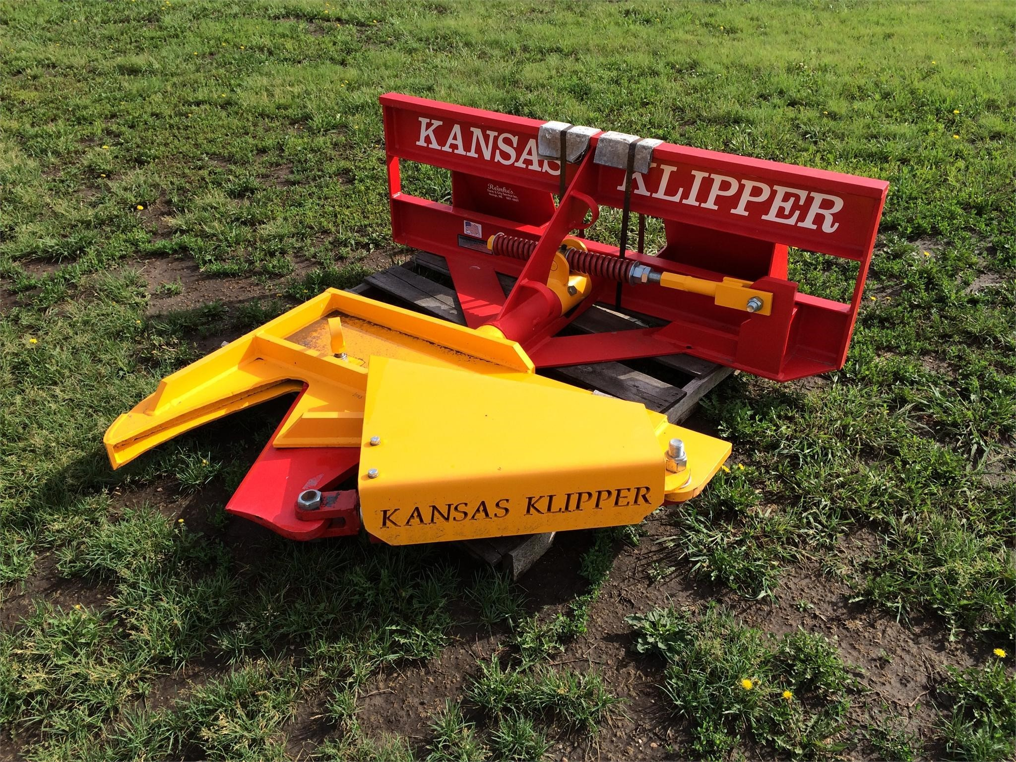 Beeson KANSAS KLIPPER Loader and Skid Steer Attachment
