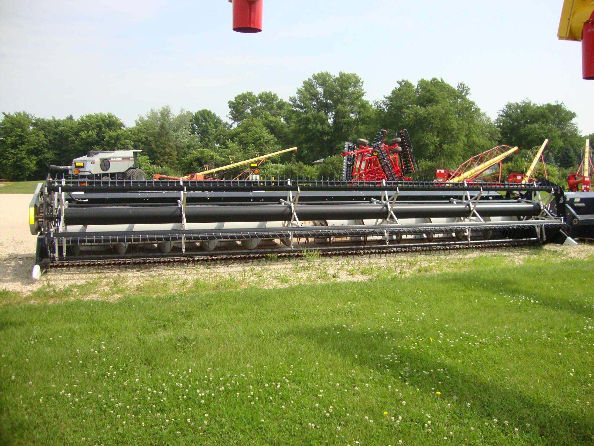2006 Gleaner 8000 Platform
