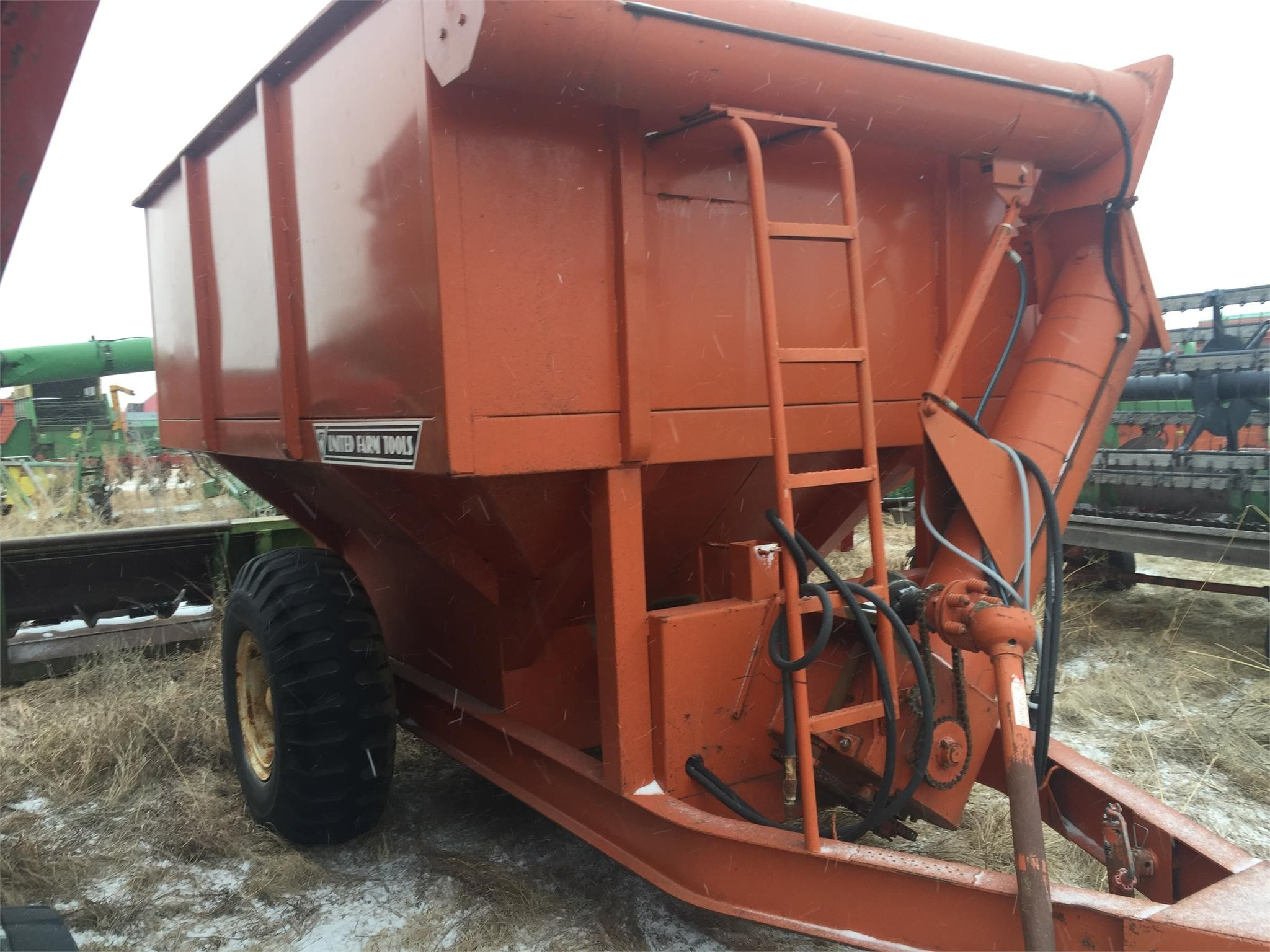 United Farm Tools 444 Grain Cart