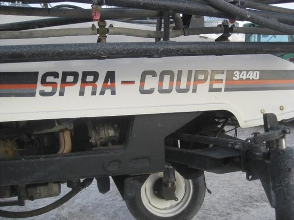 Spra-Coupe 3440 Self-Propelled Sprayer
