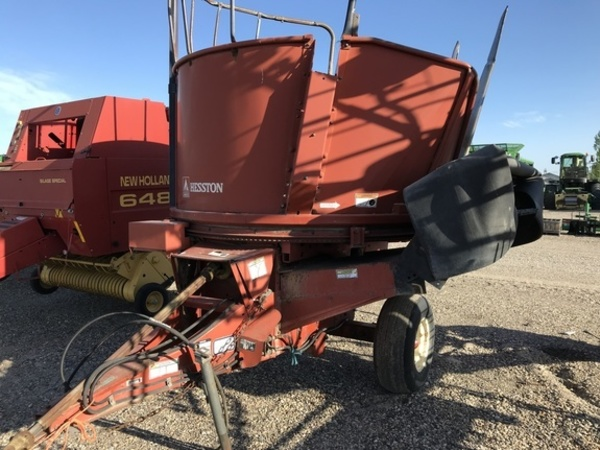 1980 Hesston BP25 Grinders and Mixer