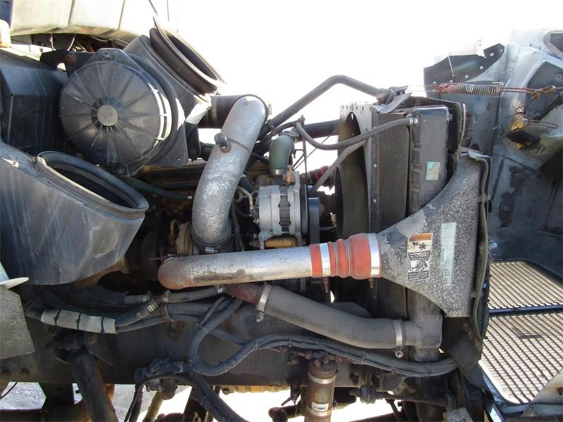 2000 Kenworth T300 Semi Truck