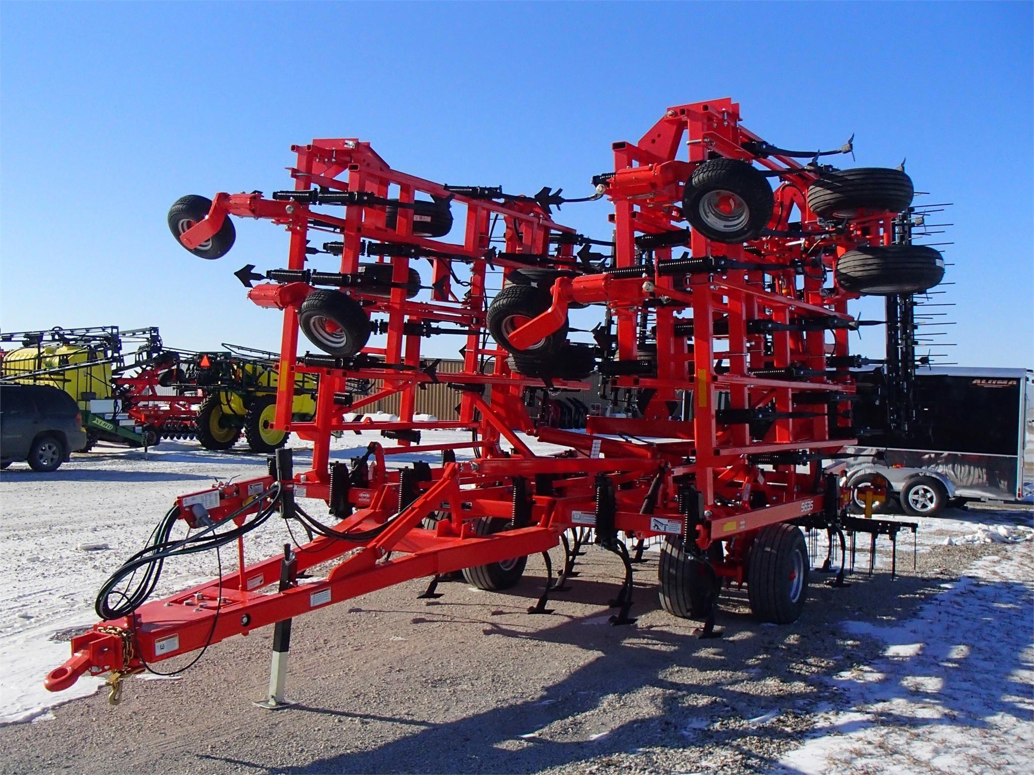 2021 Kuhn Krause 5635-39 Field Cultivator