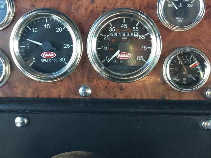 2001 Peterbilt 379EXHD Semi Truck