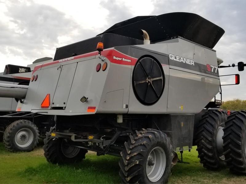 2013 Gleaner S77 Combine