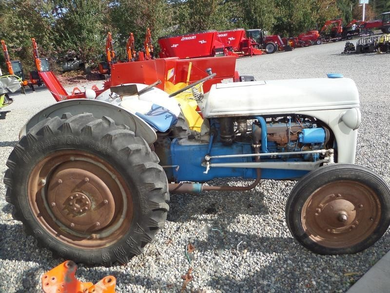 9n Ford Tractor >> 1940 Ford 9n Tractor Lynden Washington Machinery Pete