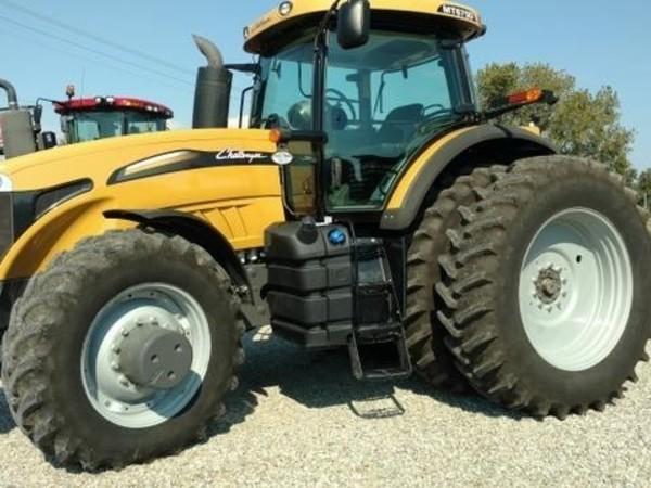 2014 Challenger MT675D Tractor