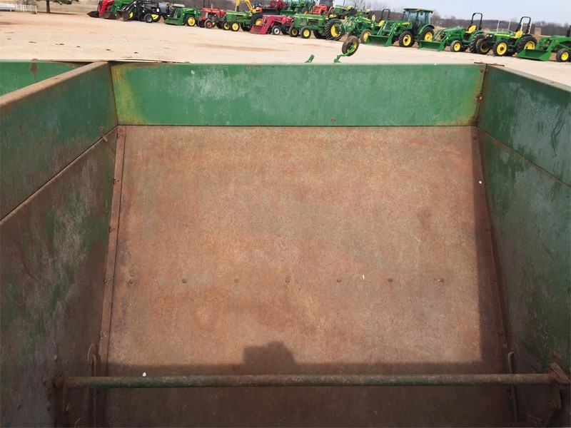 John Deere 310 Grain Cart